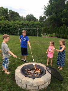 Who doesn't love to roast s'mores?  A total American treat!