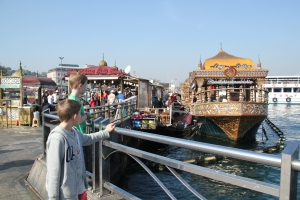 This was interesting - near the Spice Bazaar, by the Galata Bridge, there were these